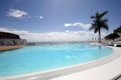 Have a swim in our Infinity Pool during the sunny and warm days in Gran Canaria´s sunniest place - Puerto Rico!