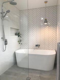 65 Modern Bathroom Renovation on a Budget - Bathroom ideas Bathroom Layout, Modern Bathroom Design, Bathroom Interior Design, Wet Room Bathroom, Bathroom Ideas On A Budget Modern, Small Master Bathroom Ideas, Tile Layout, Bathroom Showers, Bathroom Cabinets
