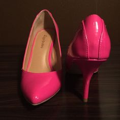 Zigi soho hot pink pointy toe heals Only worn once! These hot pink heals are sure to turn heads. 7.5 but runs small. Very comfortable 3.5 inch heal perfect for all day wear. Zigi Soho Shoes Heels