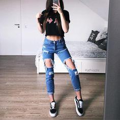 20.3 тыс. отметок «Нравится», 178 комментариев — @kathiischr в Instagram: «OOTD - love this look and my new jeans from @loavies ♥️…»