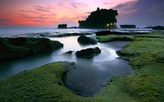 Bali Icon - Pura Tanahlot (by tropicaLiving - Jessy Eykendorp)