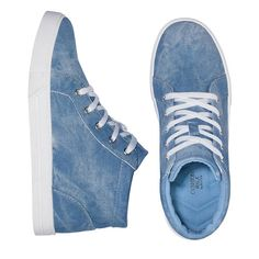 Supreme comfort and superior style! This on trend, mid-top style sneaker features a cool washed-denim look with all the comfort of aCushion Walk® insole.FEATURES•Mid-top style•Light blue upper with silvertone eyelets•White functional laces•White outsole•Padded collar for ankle support•Easy to clean leatherlike upper• Half sizes, order one size up•Runstrue-to-size•Skid-resistant solesM...