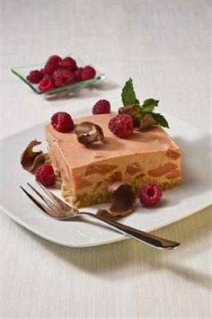 Guava & Raspberry Fridge Tart South African Desserts, South African Recipes, Kinds Of Desserts, Fun Desserts, Guava Recipes, Specialty Foods, Sweet Tarts, Desert Recipes, Recipe Of The Day
