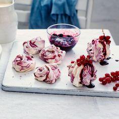 Summer currant meringues Kiwi Recipes, Jam Recipes, Baking Recipes, Dessert Recipes, Gooseberry Jam, Gooseberry Recipes, Waitrose Food, Meringue Desserts, Desert Recipes
