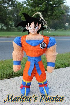 Goku or ninjas Pinata. by Marlenespinatas on Etsy Goku Birthday, Dragon Birthday, Dragon Party, 14th Birthday, Ball Birthday Parties, Birthday Party Themes, Birthday Centerpieces, Dragon Ball Z Shirt, Colorful Party