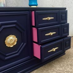 A few of my favorite things Navy blue pink and a surprise pop of color A few of my favorite things Navy blue pink and a surprise pop of color A few of my favorite things Navy blue pink and a surprise pop of color generalfinishes paintedfurniture di Refurbished Furniture, Paint Furniture, Repurposed Furniture, Furniture Projects, Furniture Makeover, Furniture Design, Furniture Stores, Furniture Online, Furniture Outlet