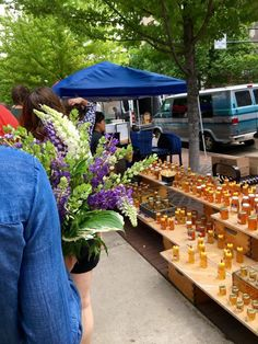 This Dane County Farmers Market in Wisconsin is One of the Biggest in the Country Farmers Market Recipes, Wisconsin Cheese, Flowers For You, The Way Home, Chefs, Veggies, Marketing, Table, Shop