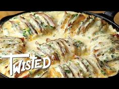 Twisted is back with another hasselback potato recipe. This time it's a delicious jalapeño popper hasselback potatoes recipe that features cheese and potatoe. Potato Side Dishes, Vegetable Side Dishes, Vegetable Recipes, Great Recipes, Dinner Recipes, Favorite Recipes, Hasselback Potatoes, Cheesy Potatoes, Frozen Chicken Recipes