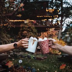 'It's the season for hot cocoa and cozy treehouse stays 🤗 Wearing watch, love the idea that they're made from handcrafted wood! Autumn Cozy, Fall Winter, Marble Watch, Wooden Watches For Men, Fete Halloween, Casual Watches, Happy Fall, Travel Style, Tin