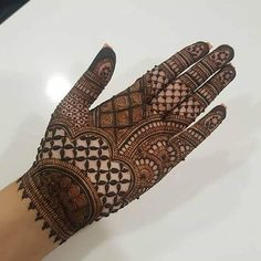 Here are stylish and latest Front Hand Mehndi Designs, Choose the best. Circle Mehndi Designs, Mehndi Designs Book, Mehndi Designs 2018, Stylish Mehndi Designs, Mehndi Designs For Girls, Mehndi Design Photos, Tattoo Designs, Mehndi Images, Mehndi Designs Front Hand