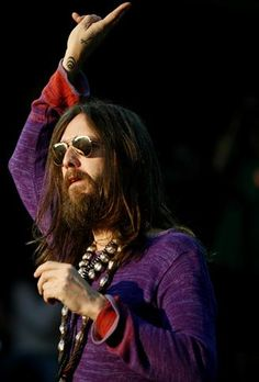 Chris Robinson looking a bit like Jesus. coincidence? i think not.