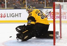 PITTSBURGH, PA - FEBRUARY 25: Goaltender Matt Murray #30 of the Pittsburgh Penguins makes a save in the first period of the 2017 Coors Light NHL Stadium Series at Heinz Field on February 25, 2017 in Pittsburgh, Pennsylvania. (Photo by Len Redkoles/NHLI via Getty Images)