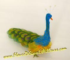 Nylon Flowers, Paper Flowers, Nylon Crafts, Felt Birds, Nylon Stockings, Craft Tutorials, Needle Felting, Diy Tutorial, Peacock