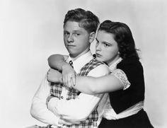 """Mickey Rooney y Judy Garland en """"Andrés Harvey se enamora"""" (Love Finds Andy Hardy), 1938"""