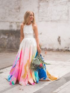 Urban Tiff Manuell hand painted colorful artistic Dress Wedding #handpaintedweddingdress #weddingdress #creativeweddingdress #uniqueweddingdress #colorfulweddingdress #rainbowdress