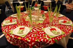 lots of christmas table ideas!