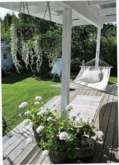 55 Front Verandah Ideas and Improvement Designs backyard verandah with a hammock Backyard Hammock, Backyard Patio, Backyard Landscaping, Hammocks, Backyard Ideas, Hammock Posts, Deck Pergola, Pergola Kits, Porch Ideas