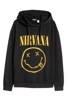 H&M Printed Hooded Sweatshirt Stylish Hoodies, Cool Hoodies, Cute Comfy Outfits, Cool Outfits, Oversized Tshirt Outfit, T Shirt Custom, Men's Fashion, Fashion Outfits, Latex Fashion