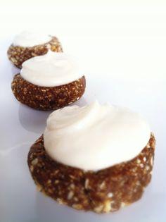 hello?!! Raw Gingerbread Cheesecake Bites!