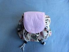 Diy Bag and Purse diy makeup bag Diy Bags Purses, Diy Purse, Diy Crafts Makeup, Makeup Bag Tutorials, Sewing Tutorials, Diy Makeup Bag Tutorial, Sewing Patterns, Makeup Bag Pattern, Drawstring Bag Diy