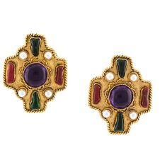 Chanel Vintage byzantine gripoix clip-on earrings ($1,450) ❤ liked on Polyvore featuring jewelry, earrings, vintage earrings, vintage clip earrings, chanel earrings, gothic earrings and cross earrings
