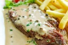 Receita de Filé mignon ao vinho e molho de queijo em Carnes, veja essa e outras receitas aqui!