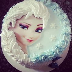 Love this Elsa cake! Found on the FB page