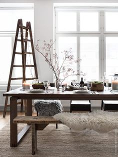 what a table : MÖRBYLÅNGA by Ikea. ((my) unfinished home) – Food: Veggie tables Decoration Inspiration, Dining Room Inspiration, Interior Inspiration, Ikea Dining Table, Dining Room Furniture, Ideas Hogar, Deco Design, Dining Room Design, Simple House