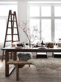 IKEA Deutschland | MÖRBYLÅNGA Esstisch Mit NORRÅKER Stühlen Auf Einem  LOHALS Teppich. Gedeckt Mit VARDAGEN