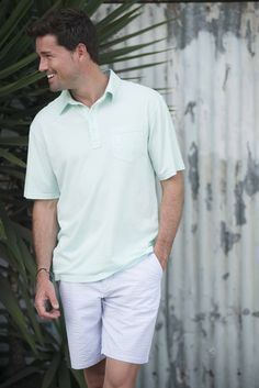 The Surfsucker Shorts are the perfect shorts for a summers afternoon. #johnnieO #menswear #shorts