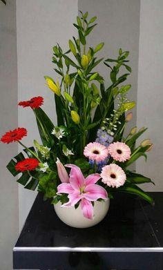 Beautiful Flower Arrangements, Floral Arrangements, Beautiful Flowers, Valentine Decorations, Balloon Decorations, Flower Centerpieces, Flower Vases, My Flower, Flower Power
