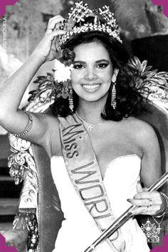 Tatiana Capote. Miss Barinas 1979. Miss Mundo Venezuela 1979.  Fue descalificada en el certamen Miss Mundo luego de un accidente con su traje de baño.