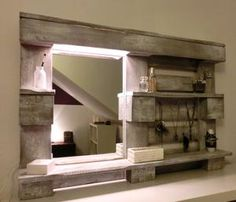 Sehe dir das Foto von Handwerklein mit dem Titel DIY Spiegel für das Badezimmer aus einer Palette gebaut und andere inspirierende Bilder auf Spaaz.de an.