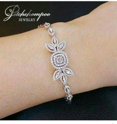 Tips for Buy Sell Jewelry & Diamonds.How to Buy sell your used jewelry,jewelry and engagement ring online? Stylish Jewelry, Jewelry Accessories, Jewelry Design, Diamond Bracelets, Bangle Bracelets, Selling Jewelry, Jewelry Patterns, Jewelery, Silver Jewelry