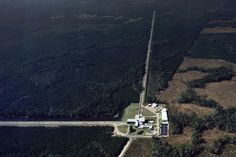Squeezed light shatters previous record for manipulating quantum uncertainty - physicsworld.com Aerial photograph of the LIGO gravitational wave detector in Livingston Louisiana