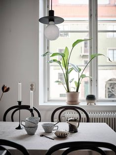 Inspirational ideas about Interior Interior Design and Home Decorating Style for Living Room Bedroom Kitchen and the entire home. Curated selection of home decor products. Dining Room Inspiration, Interior Inspiration, Furniture Inspiration, Furniture Ideas, Design Inspiration, Light Wooden Floor, Minimalist Dining Room, Hygge Home, Shabby