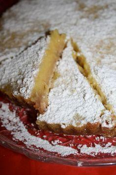 Οι λεμονόπιτες είναι κλεφτρόνια! Κλέβουν καρδιές!  Νόμιζα πως η σοκολάτα είναι η βασίλισσα των γλυκών, αλλά το λεμόνι μπαίνει δυνατά απ'... Lemon Recipes, Sweets Recipes, Greek Recipes, Cookie Recipes, Greek Desserts, Easy Desserts, Sweets Cake, Cupcake Cakes, Food Network Recipes