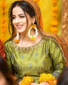 👉 is the team of best Photographer 💚Economical Packages 🌟Cinematic video 👩Signature Bridal Shoot 💮Story Album 🛑 Based in Islamabad Cover events in major CITIES of Pakistan🇵🇰 👰🤵👰🤵👰🤵👰🤵 📷 👉 Pakistani Mehndi Dress, Bridal Mehndi Dresses, Pakistani Bridal Makeup, Pakistani Wedding Outfits, Bridal Dress Design, Wedding Dresses For Girls, Pakistani Dress Design, Bridal Outfits, Wedding Gowns