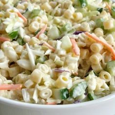 Coleslaw pasta salad is a fun twist to traditional pasta salad. Loaded with texture, taste, and fabulous crunch. This is the perfect side dish for a summer bbq, picnic, or potluck! It can be made ahead of time too. Creamy Pasta Salads, Summer Pasta Salad, Pasta Salad Recipes, Summer Salads, Summer Bbq, Slaw Recipes, Party Recipes, Healthy Summer, Summer Recipes