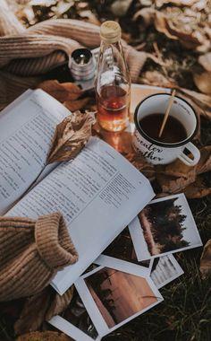 All Things Autumn: Photo Cozy Aesthetic, Autumn Aesthetic, Brown Aesthetic, Aesthetic Vintage, Christmas Aesthetic Wallpaper, Aesthetic Pastel Wallpaper, Aesthetic Backgrounds, Aesthetic Wallpapers, Book Wallpaper