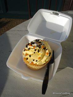 Halloween cupcake from Boardwalk Bakery @ Walt Disney World.