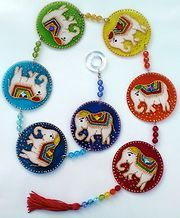 Móbile 7 elefantes Cd Crafts, Diy Crafts For Gifts, Diy Arts And Crafts, Felt Crafts, 7 Chakras, Elefante Hindu, Glass Painting Designs, Cd Art, Mobiles