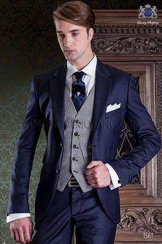Traje de novio italiano azul marino. Traje de sastrería con 2 botones y exclusivo corte italiano.