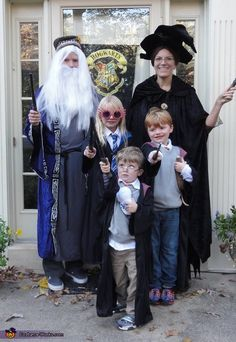 Alyssa: This is an annual traditionwe plan and talk about what we're going to be for Halloween all year long. We finished reading the Harry potter series to the kids this. Harry Potter Family Costume, Harry Potter Groups, Addams Family Costumes, Harry Potter Halloween Costumes, Harry Potter Cosplay, Halloween Costume Contest, Creative Halloween Costumes, Halloween Kids, Halloween 2014