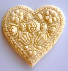 Farmhouse-Springerle-Cookies i will need to get a cookie cutter with pretty things like this