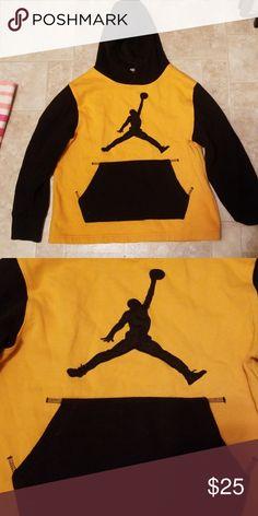 5cf54d4657d Nike jordan sweatshirt size medium youth boys Nike Jordan sweatshirt size  medium youth boys Jordan Shirts
