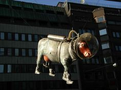 40 Unusual and Creative Statue and Sculpture Art – Part 2 Space Cow, Stockholm, Sweden Modern Sculpture, Sculpture Art, Cow Parade, Different Kinds Of Art, Outdoor Art, Chalk Art, Land Art, Public Art, Artist Art