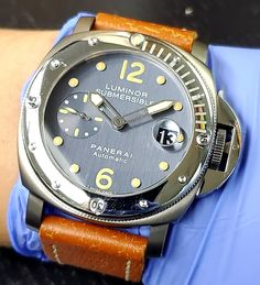 they don't make them like the used to,  #panerai #submersible pam 170 with the #tritium dial showing off some nice #patina  up for grabs @element_in_time links in bio  #paneristi #panerai #luminor #sub #instagood #watchfam #wristporn #hodinkee #mondaniweb #neovintage #elementintime #quarantineandchill #wewillwin #covid19 #flattenthecurve #nyc #lovewillwin