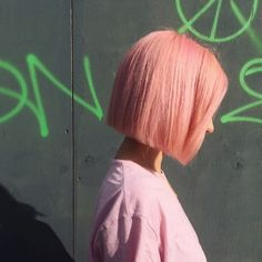Trendy 85 Pastel Pink Hair Ideas - Hair and Hairstyles - Short Hair Styles For Round Faces, Short Hair Cuts For Women, Long Hair Styles, Long Faces, Pastel Pink Hair, Hair Color Pink, Pink Short Hair, Peachy Pink Hair, Short Bleached Hair