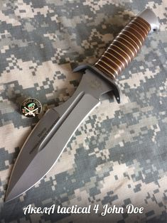 Wand - Knifes and Inspirations - Soldaten Pretty Knives, Cool Knives, Knives And Tools, Knives And Swords, Tactical Knives, Best Pocket Knife, Pocket Knives, Knife Stand, Survival